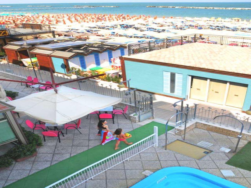 Hotel marina gatteo mare albergo con piscina sul mare - Hotel sul mare con piscina ...